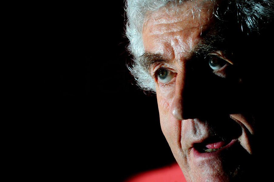 Rhodri Morgan officially announces his retirement as the First Minister of Wales, 2009